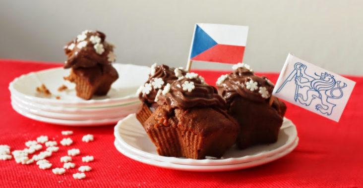 vegan brownie cupcakes s čokoládovým topingem ze silken tofu